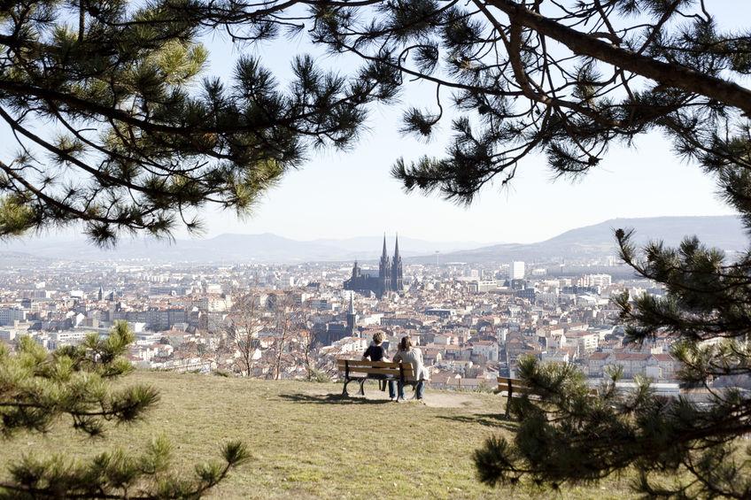 Clermont-Ferrand, vue depuis le parc Montjuzet © iveta kulhava